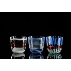 Diversi bicchiere